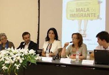 """Lançamento Oficial Portugal do livro """"Na Mala do Imigrante""""- Biblioteca Municipal de Olhão - Algarve"""