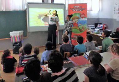 """""""Histórias Sorridentes"""" com Ligia Boldori levam magia aos alunos da EB1 de Patacão"""