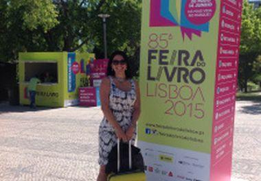 """85ª Feira do Livro de Lisboa ,2015– Sessão de autógrafos com Ligia Pereira Boldori – """"Na Mala do Imigrante""""- ChiadoEditora"""